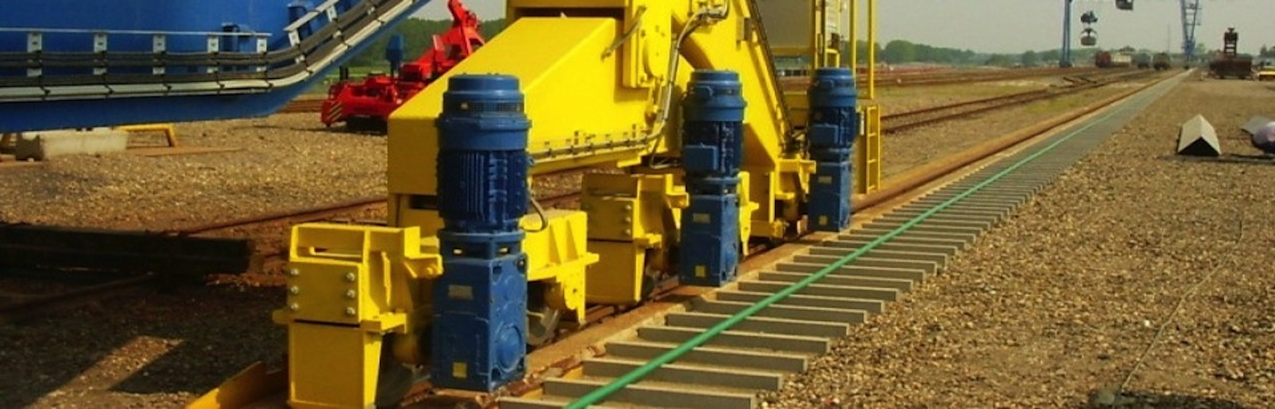 Gearmotors and slew drives for cranes